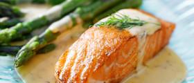 Lachs und Spargel - eine köstliche Kombination. (Quelle: Fotolia)