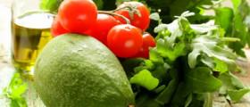 Tomate und Avocado: Eine wahre Wunderkombination. (Quelle: fotolia)