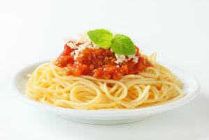 Bild von einem Teller Pasta Bolognese