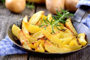 Knusprige Kartoffelspalten