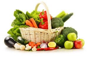 Das Schneiden von Gemüse ist für das Chefmesser kein Problem