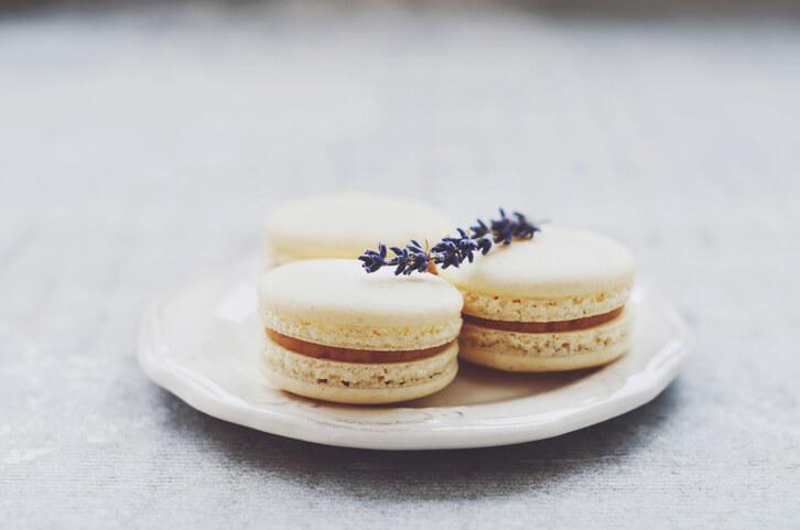 Macarons & Eclairs